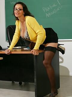 sexy ladies wearing stockings